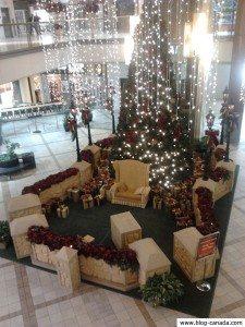 Le siège du père noël dans le centre commercial Rideau